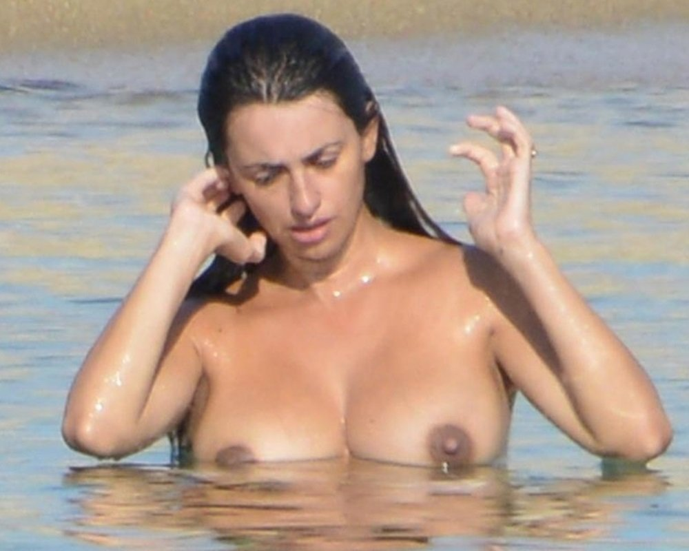 Penelope Cruz Topless Nude Beach Candids