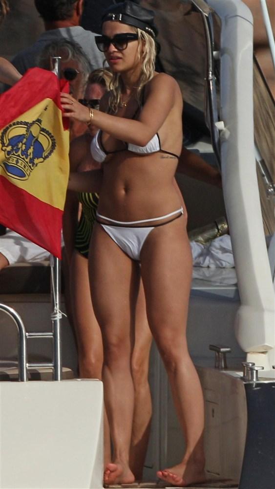 Rita Ora Is One Classy Broad In A Bikini