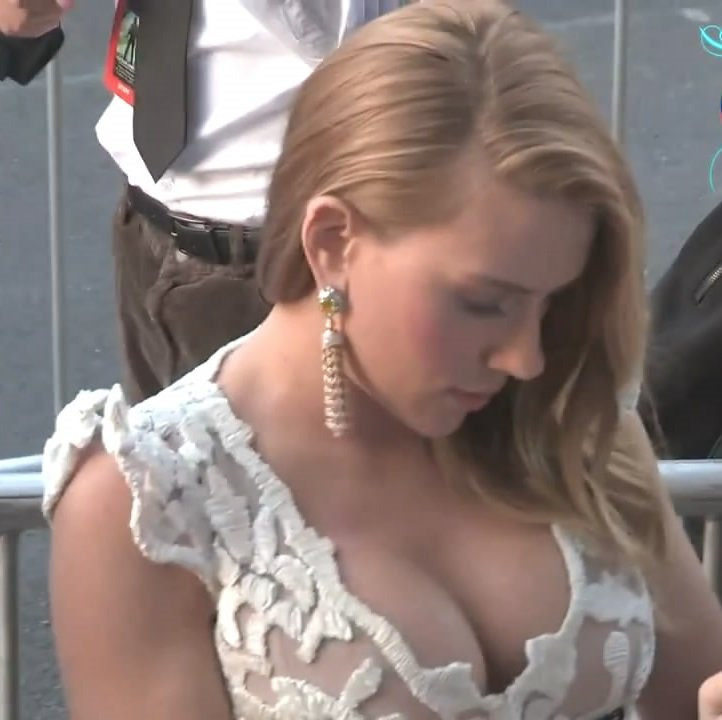 Scarlett Johansson Shows Massive Cleavage At 'Captain America 2' Premiere