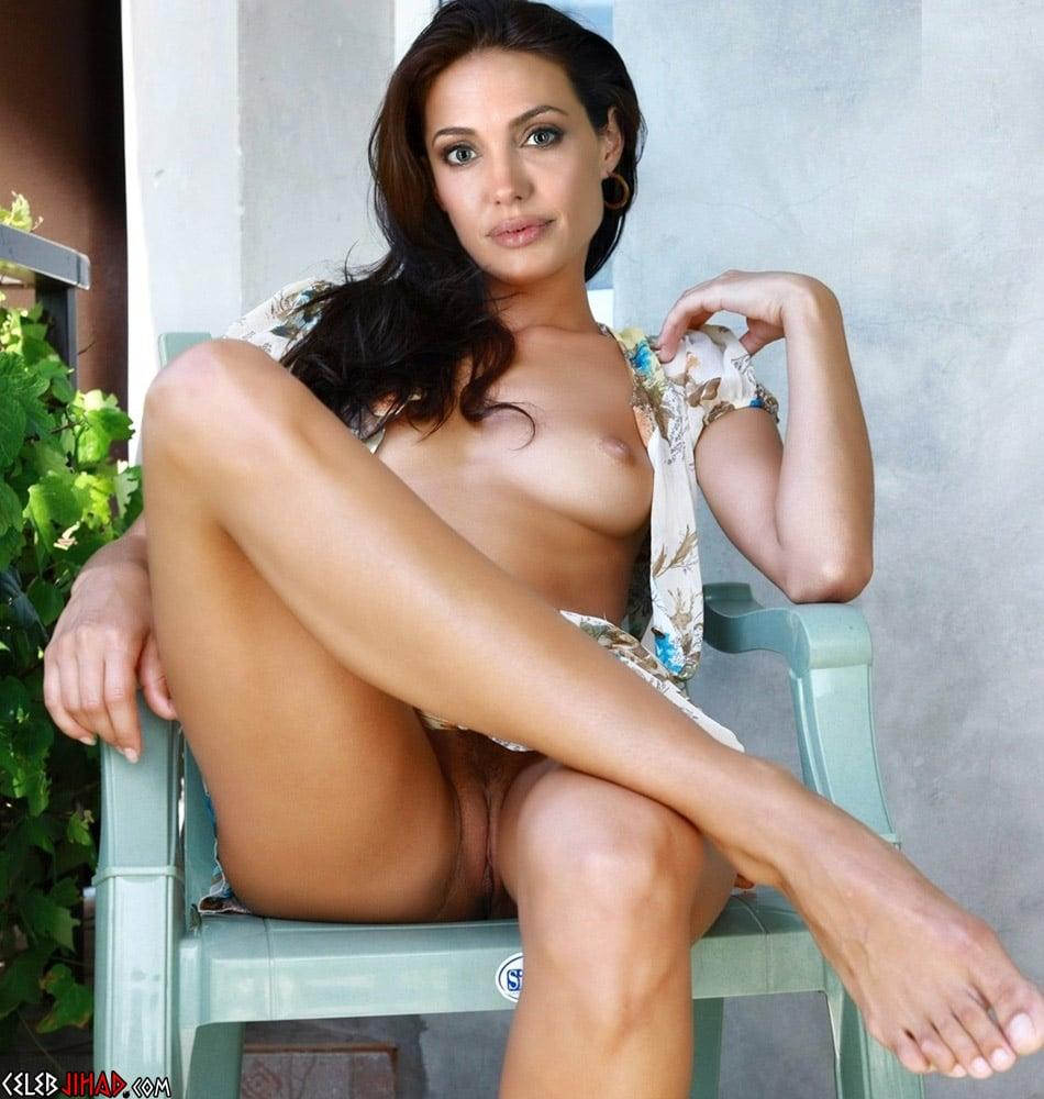 Angelina Jolie Naked, Horny, And Ready To Move On