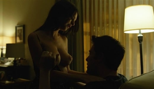 Emily Ratajkowski Getting Her Tits Sucked By Ben Affleck In 'Gone Girl'