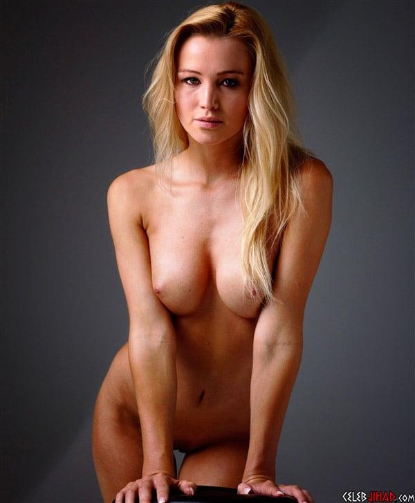 Jennifer Lawrence Standing Around Naked