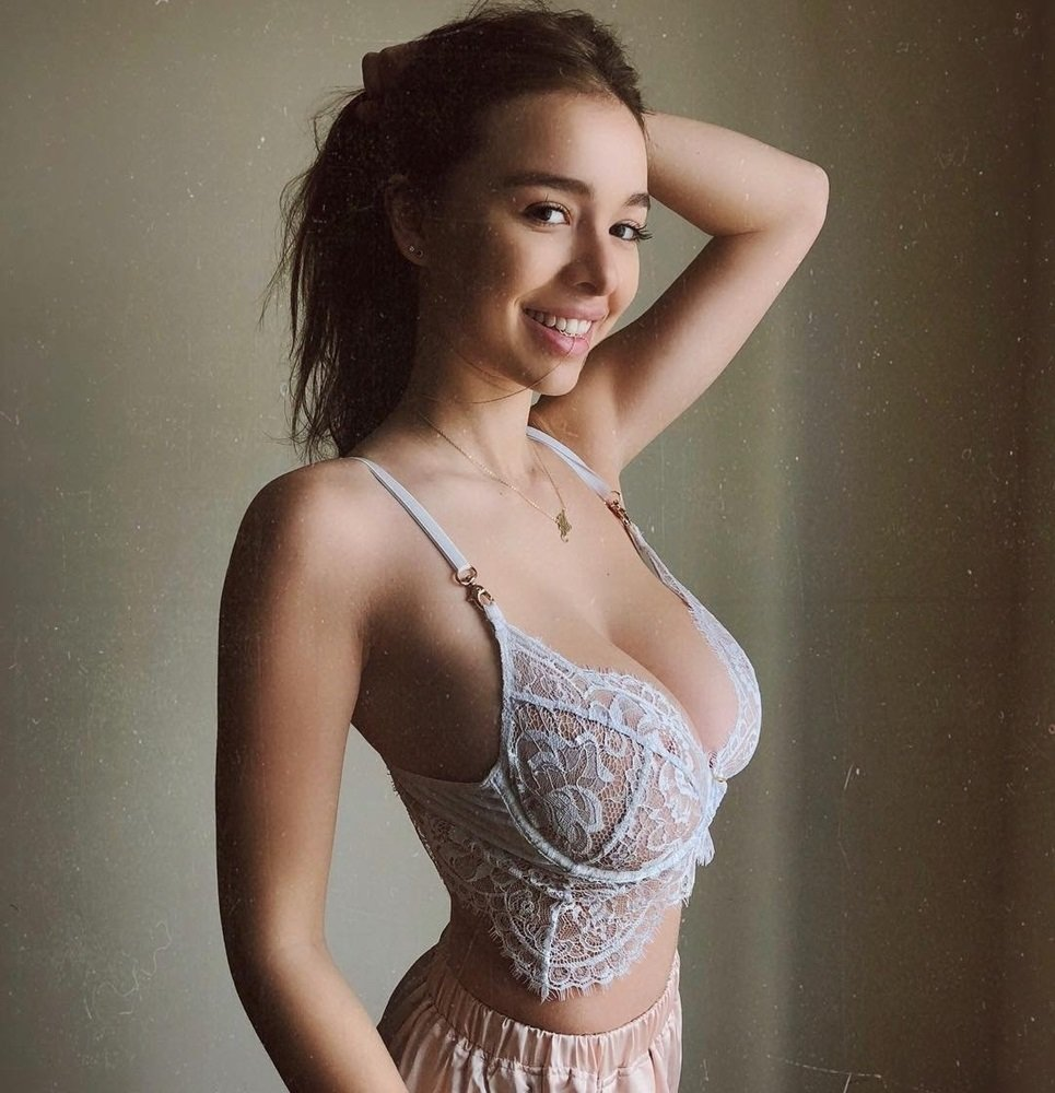 Sophie Mudd Plays With Her Boobs On Webcam