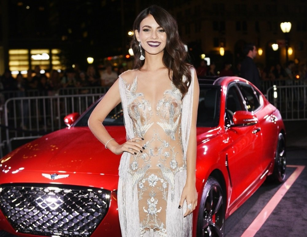 Victoria Justice Shows Her Boobs In A See Thru Dress