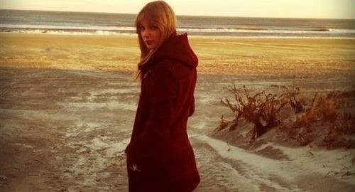 Taylor Swift Finally Wears Proper Swimsuit