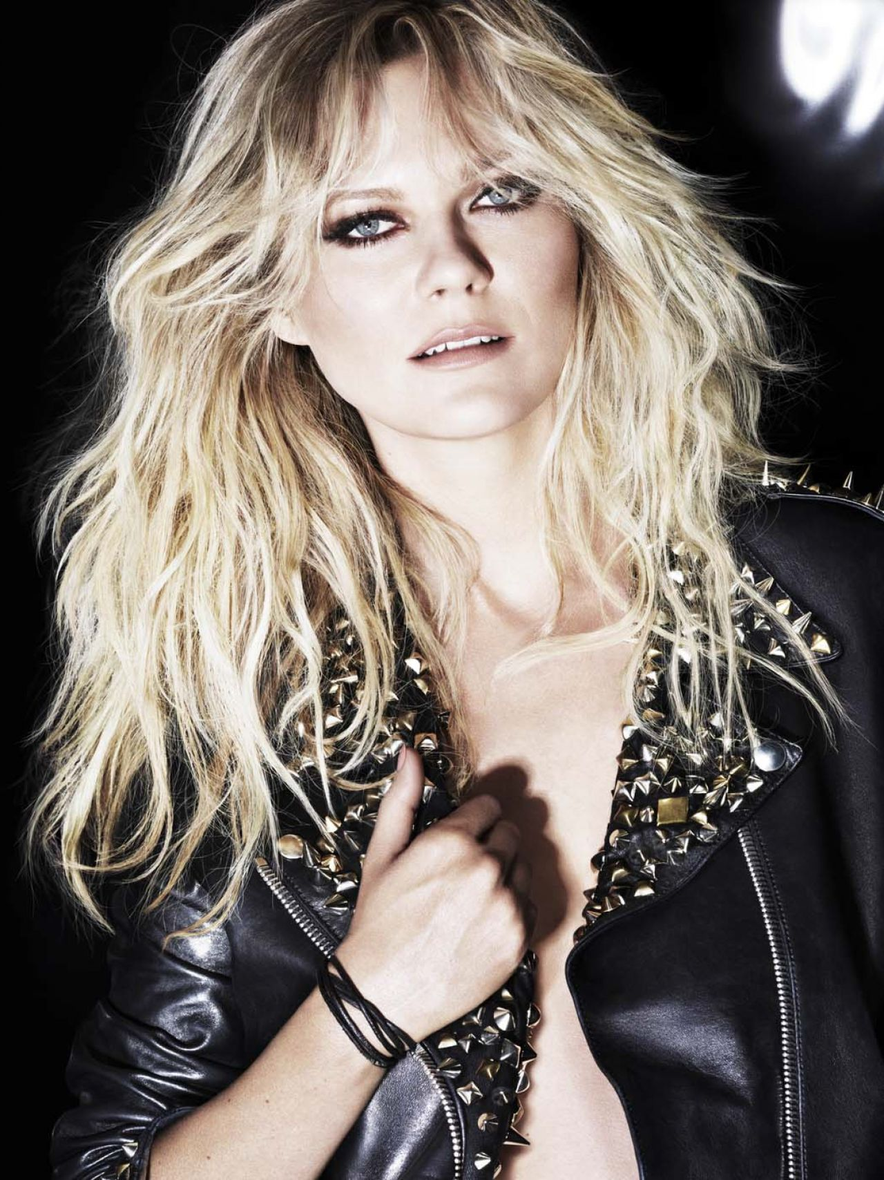 Kirsten Dunst Photoshoot LOral Professionnel Campaign 2014