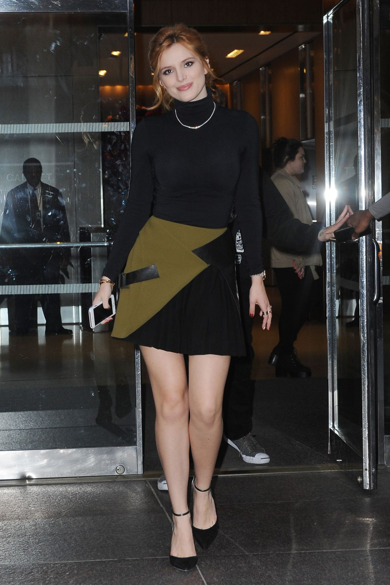 Bella Thorne In Mini Skirt Visiting The Huffington Post