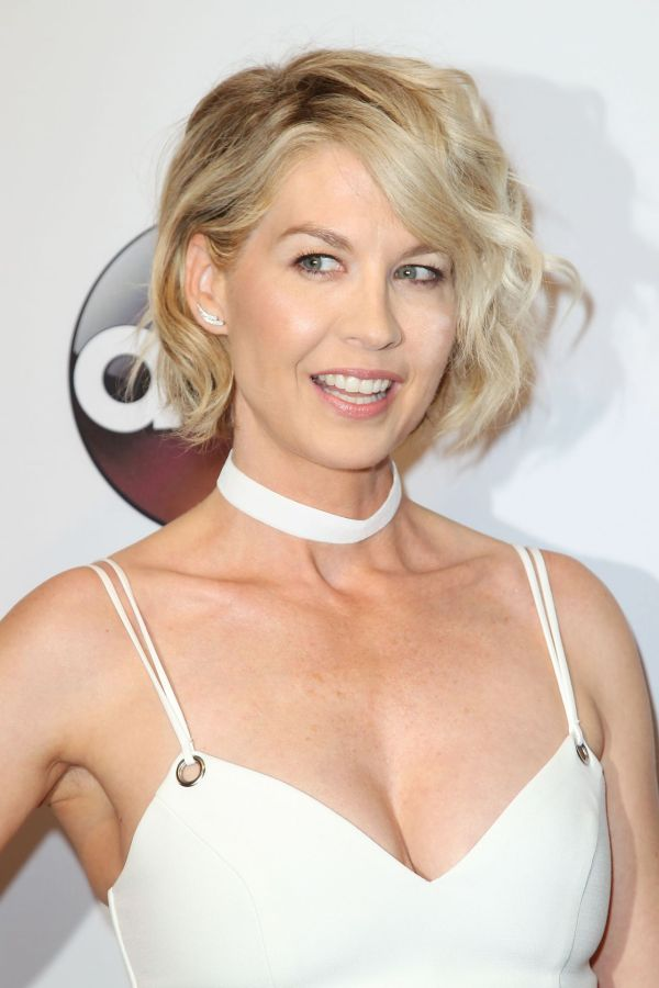 Jenna Elfman – ABC Upfronts, David Geffen Hall, New York ...
