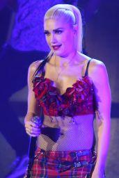 Gwen Stefani Performing in Vancouver 8/25/2016