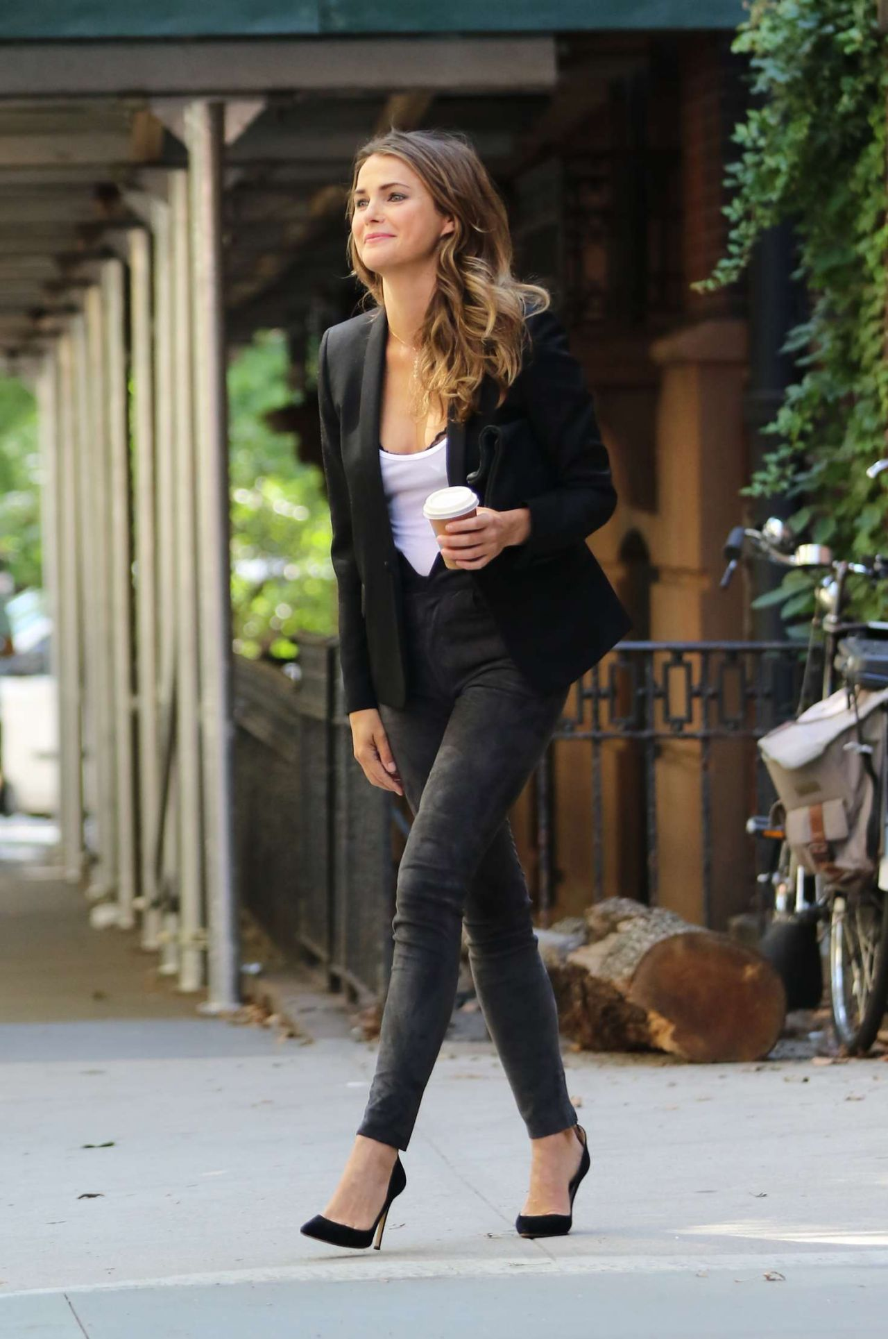 Keri Russell Casual Chic Outfit Leaves Her Home In NY