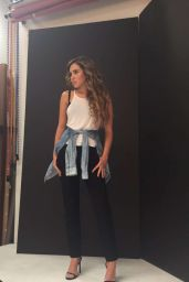 Ryan Newman - BTS Candids From a Photoshoot, August 2016