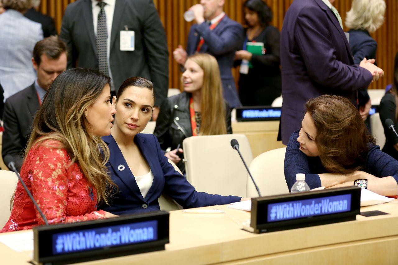 Gal Gadot  Wonder Woman United Nations Ambassador Ceremony In Nyc  10212016-2607