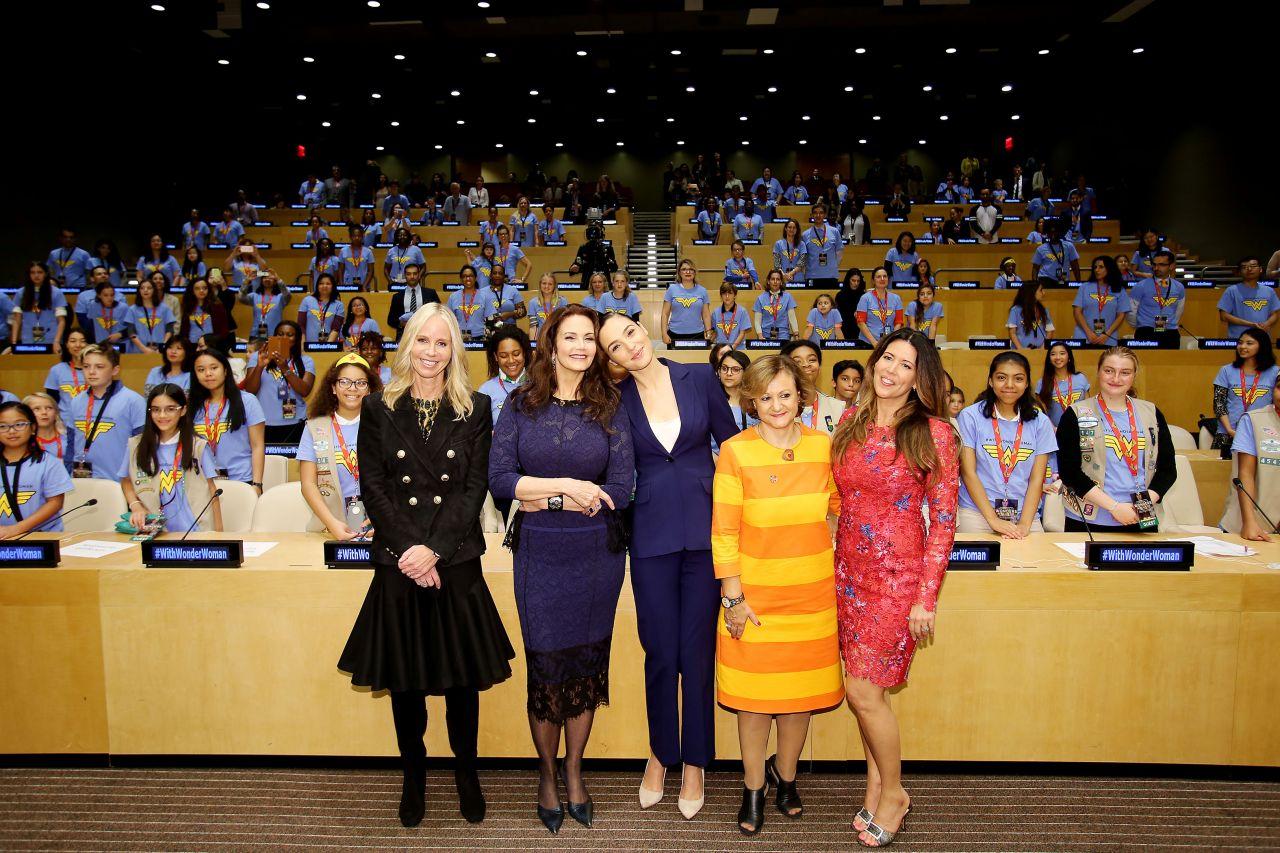 Gal Gadot  Wonder Woman United Nations Ambassador Ceremony In Nyc  10212016-2082