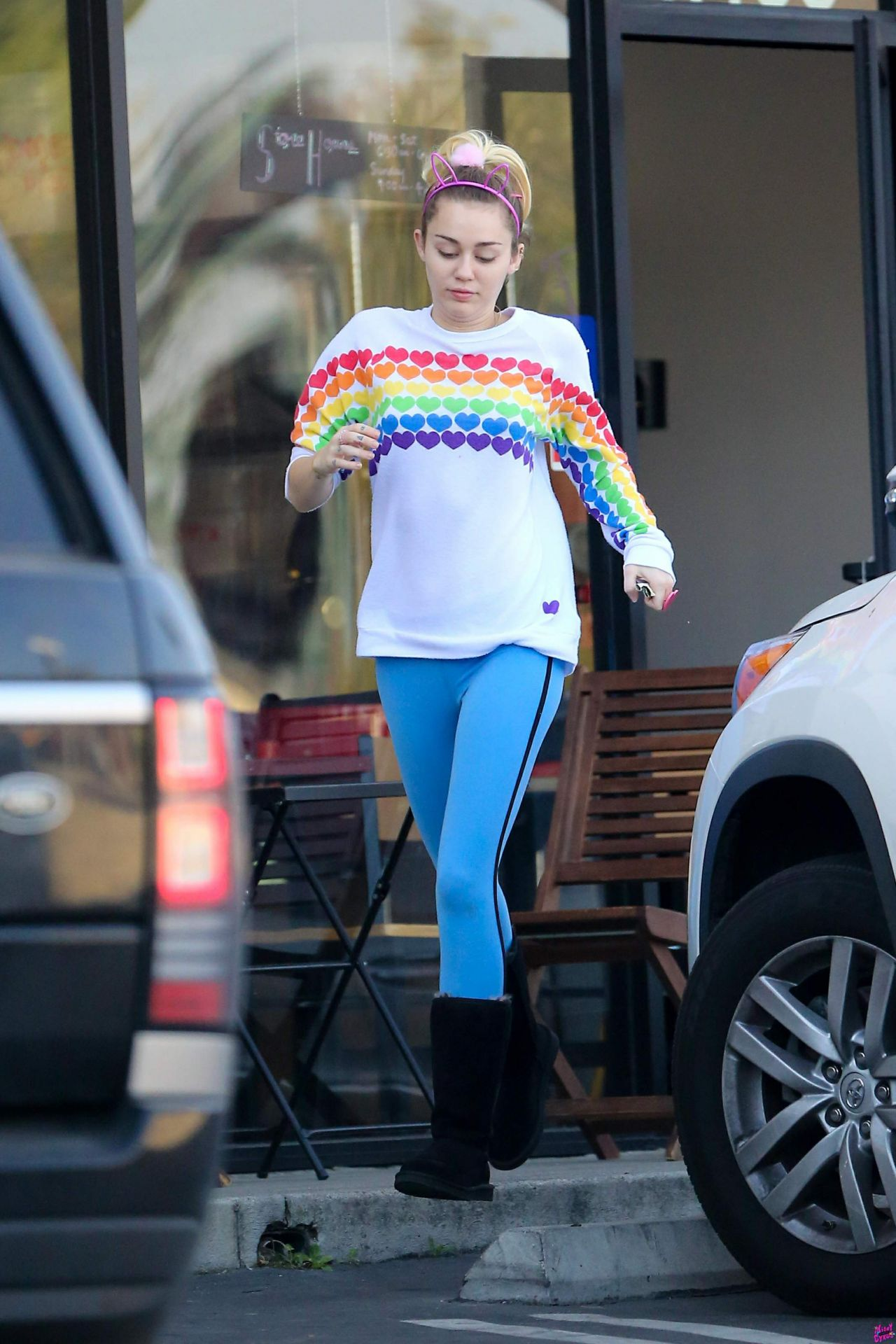 Miley Cyrus Street Style Los Angeles 1214 2016