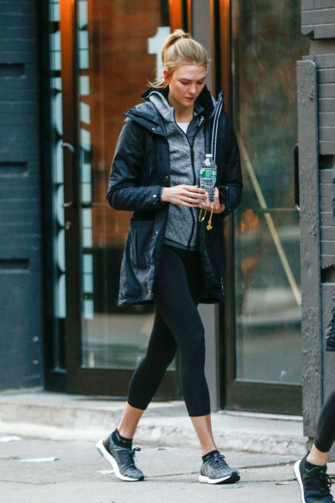Karlie Kloss Leaves Her Apartment In West Village New