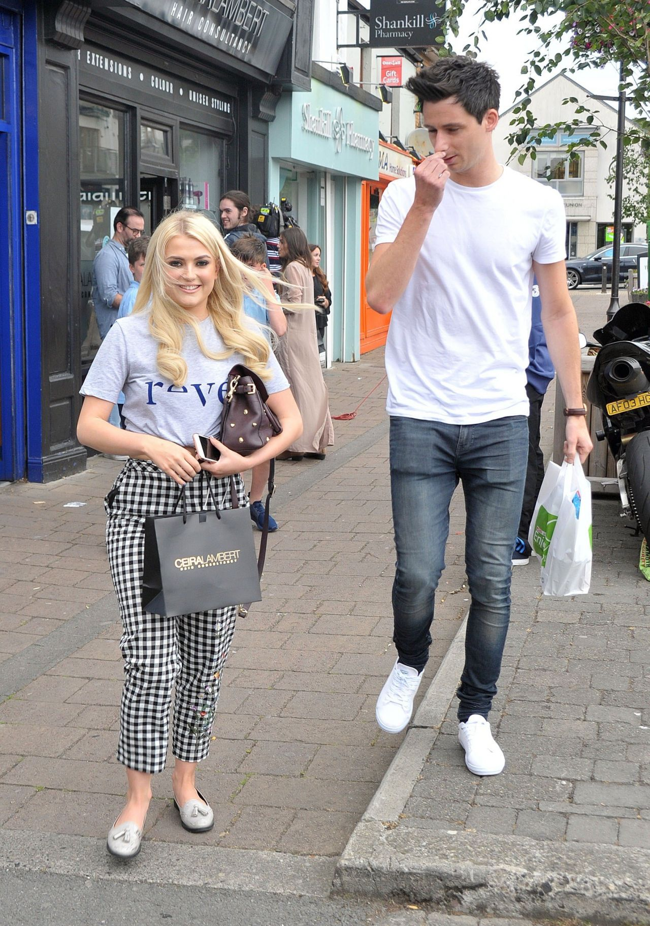 lucy-fallon-cute-style-at-ceira-lamberts-hair-salon-in-shankill-village-dublin-06-17-2017-12.jpg (1280×1822)