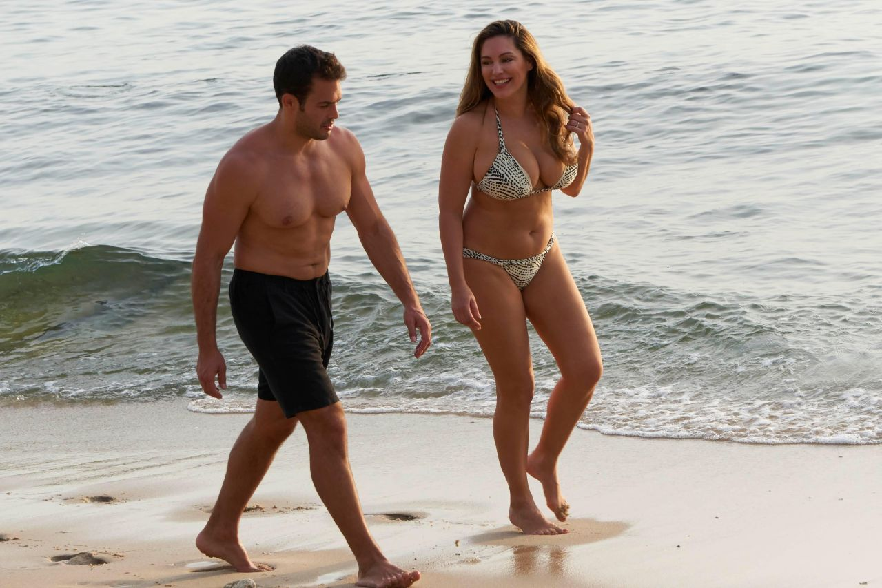 Kelly Brook In Bikini In Thailand 03092018