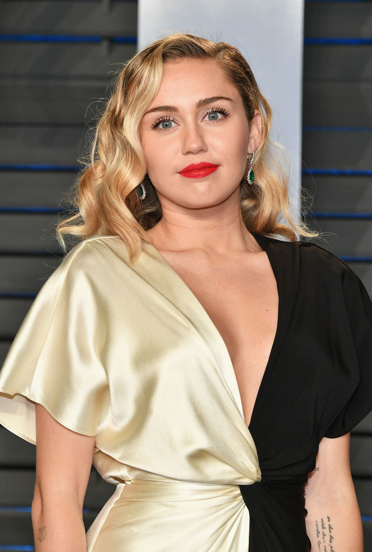Miley Cyrus 2018 Vanity Fair Oscar Party In Beverly Hills