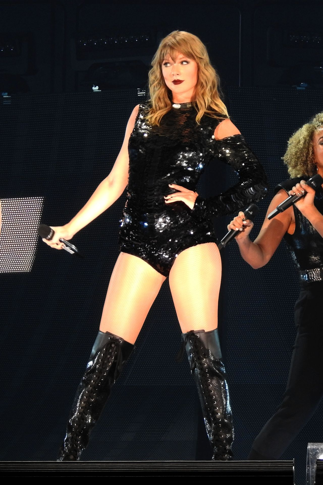 Taylor Swift Launches Her Reputation Tour In Glendale