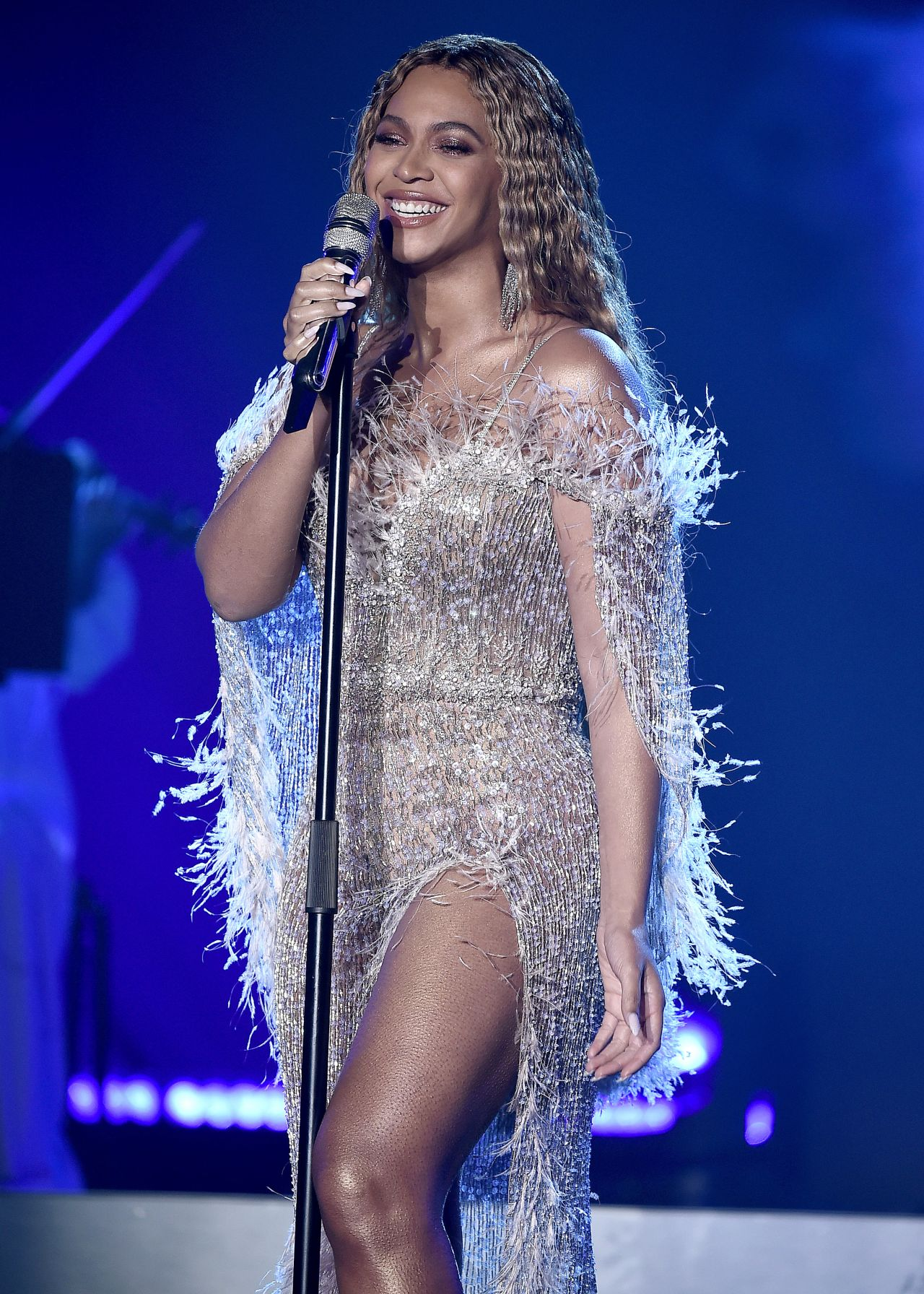 Beyonce Performs At The City Of Hope Spirit Of Life Gala