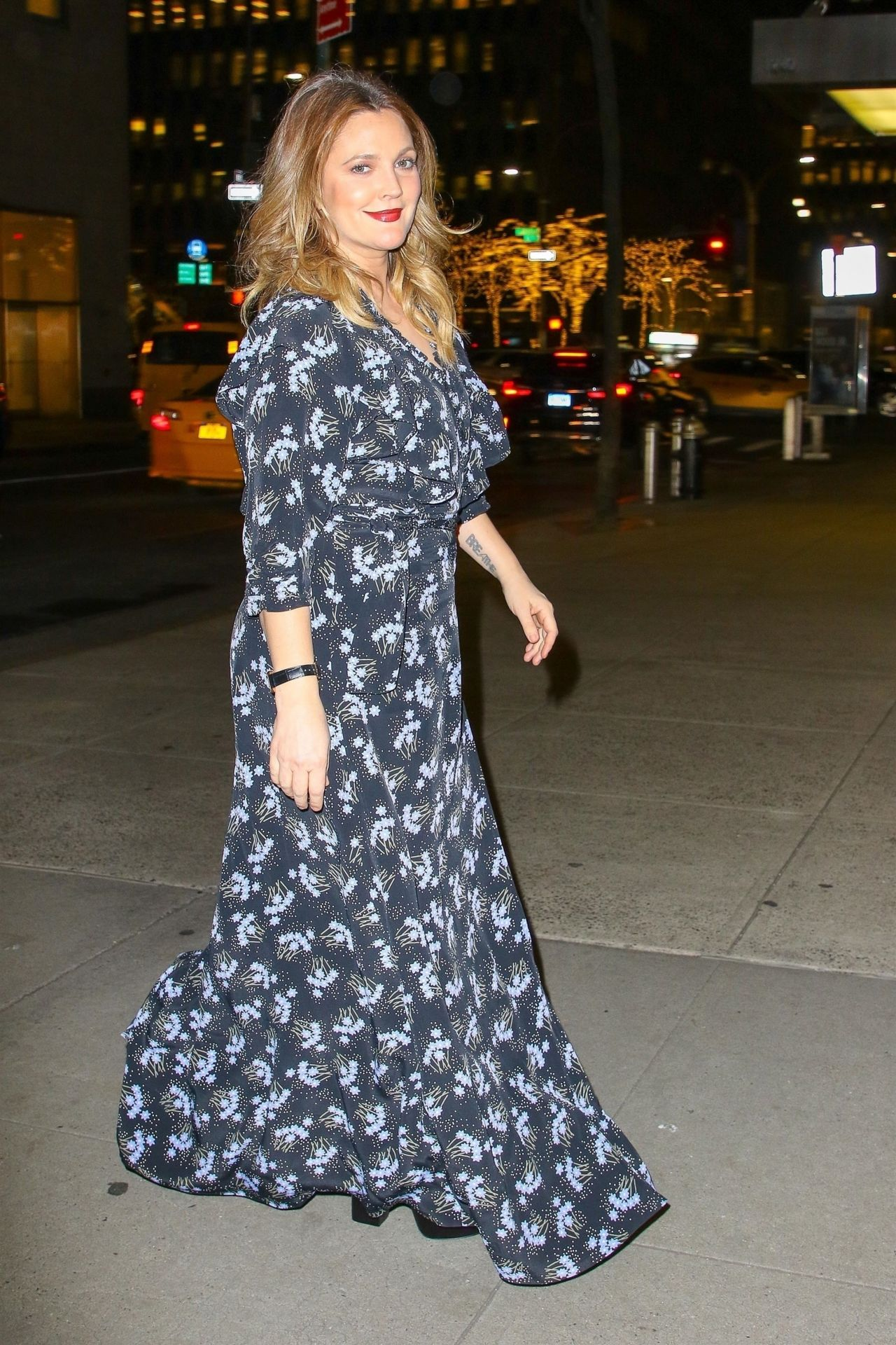 Drew Barrymore Shopping In NYC 01152019