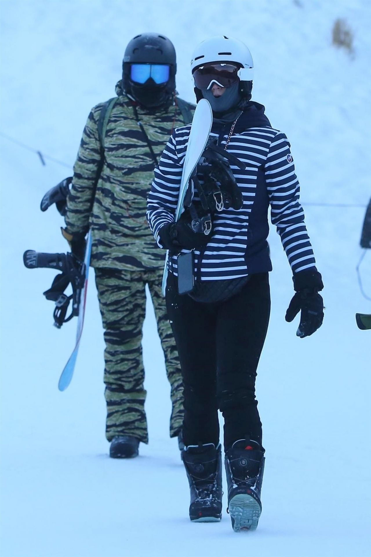 Katy Perry And Orlando Bloom Snowboarding In Aspen 0102
