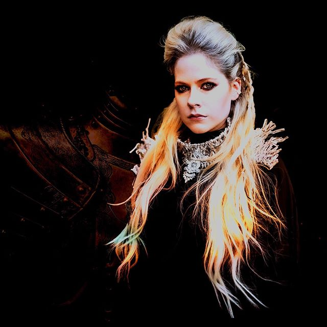 Avril Lavigne Has Re Recorded Her Song Warrior Releasing The Charity Single This Friday Celebmix