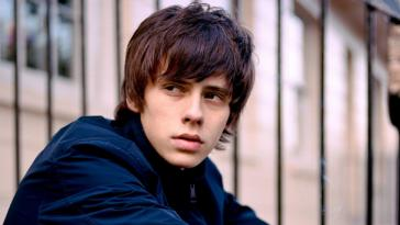 Jake Bugg shares new song 'Saviours of the City'