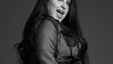 Malia Civetz dazzles on new song 'Heart Broke'