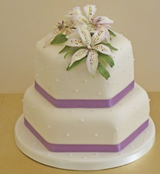 Celebrate-Cakes-Lily