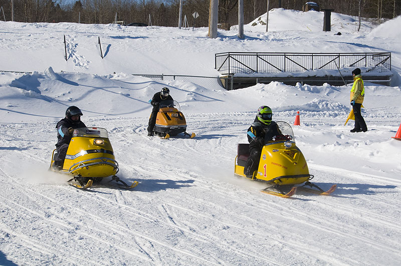 chicoutimi-snowmobile-races1