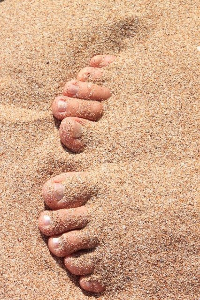 Toes-in-the-sand