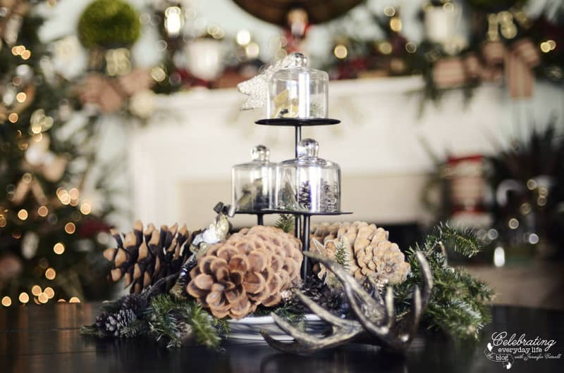 My christmas centerpiece setting a holiday table part 1 for Everyday table centerpieces