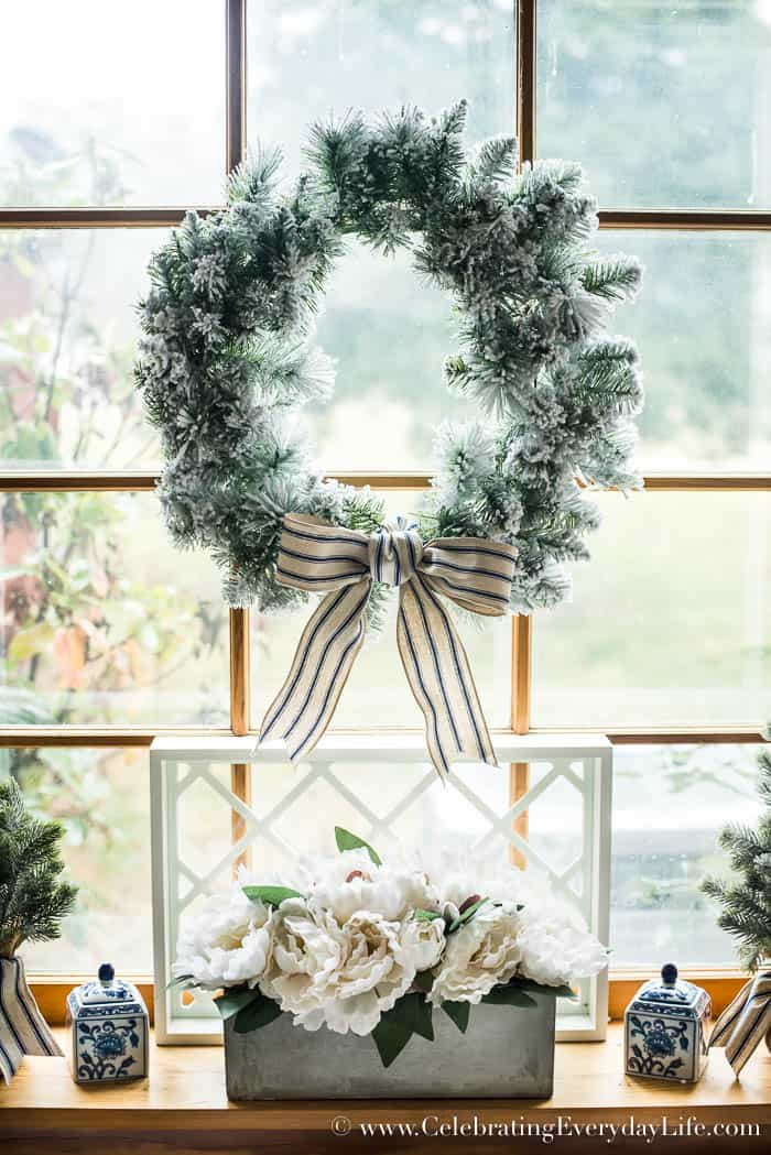 Farmhouse Christmas Decorating Ideas | Celebrating Everyday Life with Jennifer Carroll | .CelebratingEverydayLife. & 8 Farmhouse Christmas Decorating Ideas
