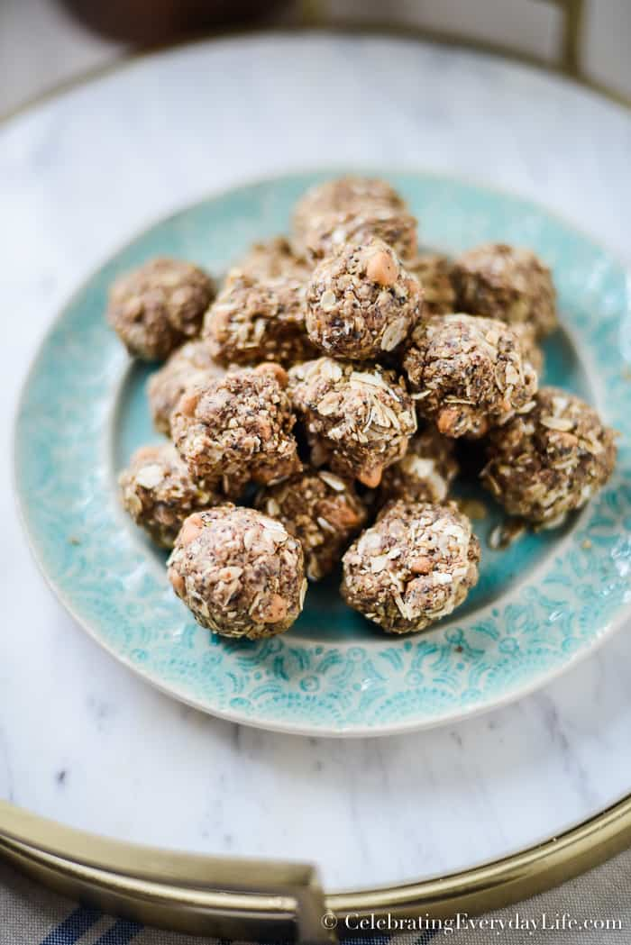 Easy No Bake energy bite recipe, Easy and Delicious Oatmeal Power Ball Recipe, A great treat to help you not overeat between meals