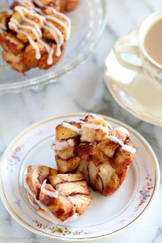 Cinnamon Roll Monkey Bread Muffins