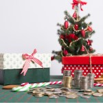 5 Tips to Create a Christmas Budget (and How to Stick to it!)