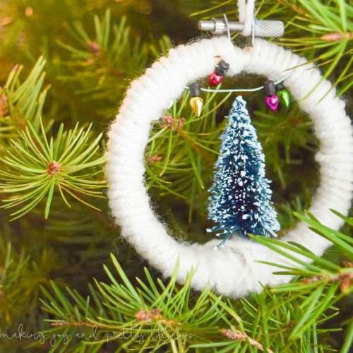 10 Cute and Easy DIY Christmas Ornaments - Mini Embroidery Hoop Christmas Ornaments