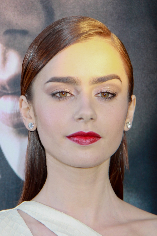 Lily Collins Weight Height Measurements Bra Size Ethnicity