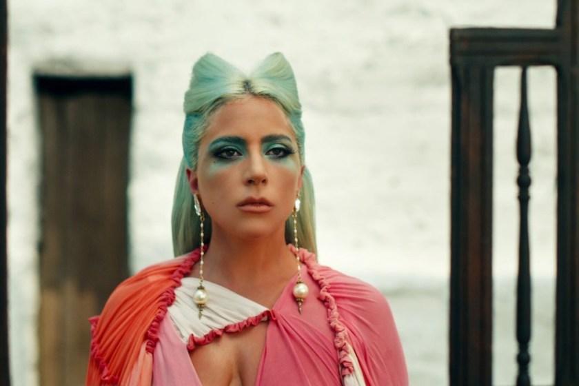 """Lady Gaga estrenó video de """"911"""""""