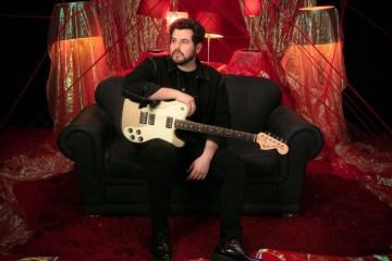 "Kurt habla sobre su single ""Contigo""."