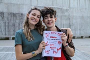 Disney+ estrenará la serie juvenil latina Entrelazados.
