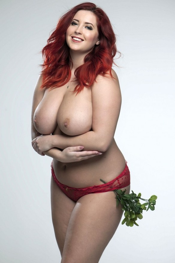 Lucy-Collett-Sexy-Topless-3