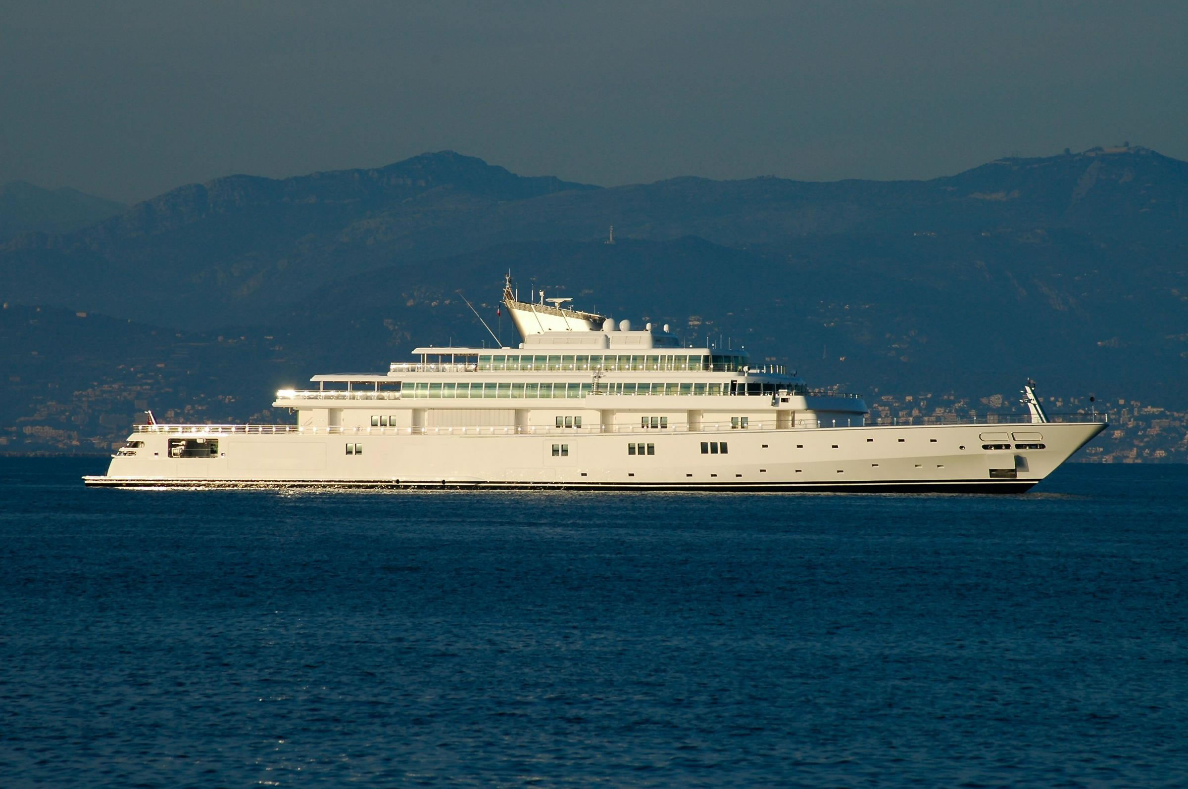 Larry Ellison Owns 5th Largest Yacht Luxury Yachts And