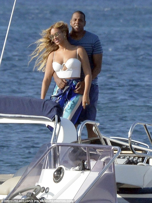Jay Z And Beyonce Enjoy Luxury Superyacht Charter Vacation