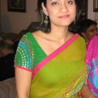 Aunty Saree Pose HQ Images photos