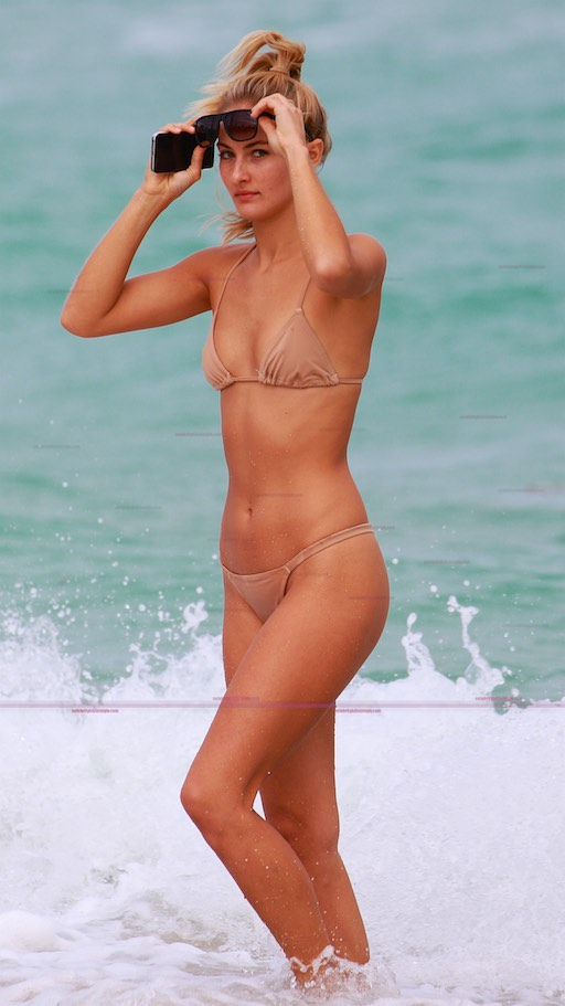 beach-girl-bikini-pics-nude-naked