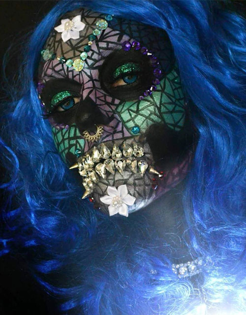 MOSAIC-SKULL MAKEUP BLUE HAIR