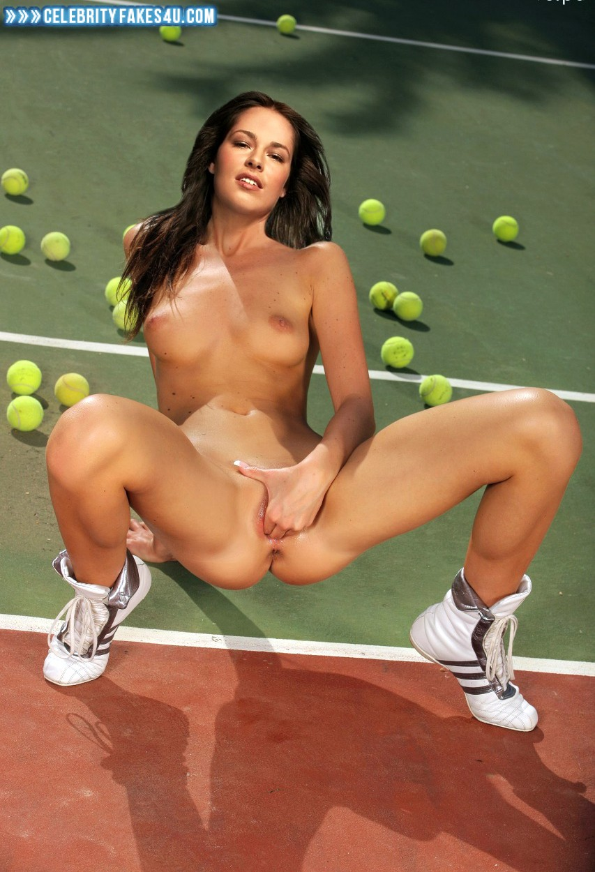 cream-tennis-xxx-fakes-girls-sitting-bars