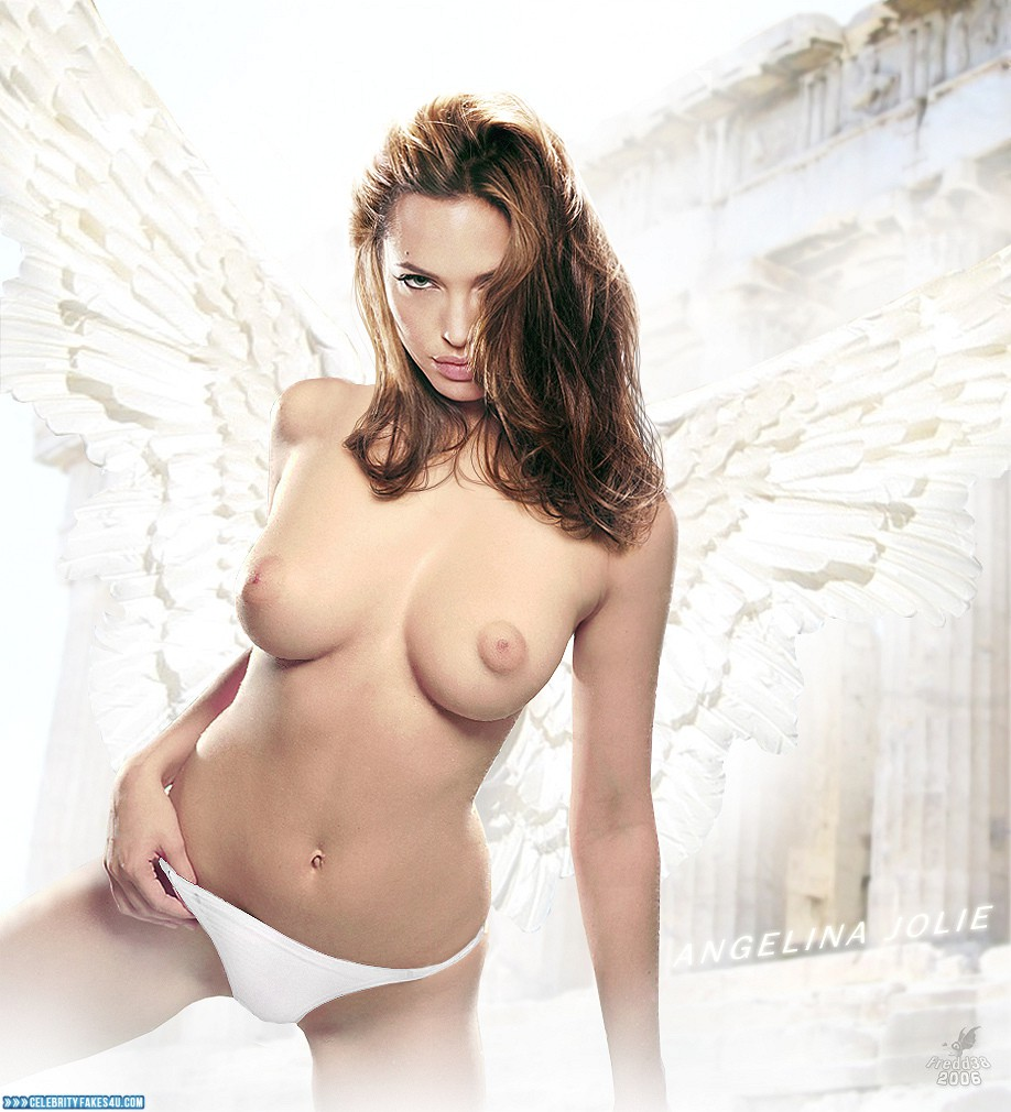 Has angelina jolie ever shown pussy